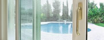 Fenêtres vitrée avec store intégré