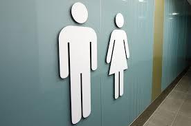 Quelques conseils de savoir vivre dans les toilettes publiques