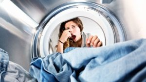 Comment venir à bout des odeurs de la machine à laver ?