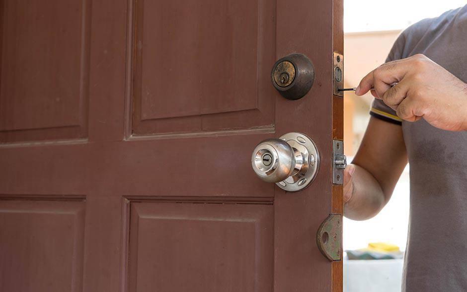 Comment les serruriers ouvrent-ils les portes ?